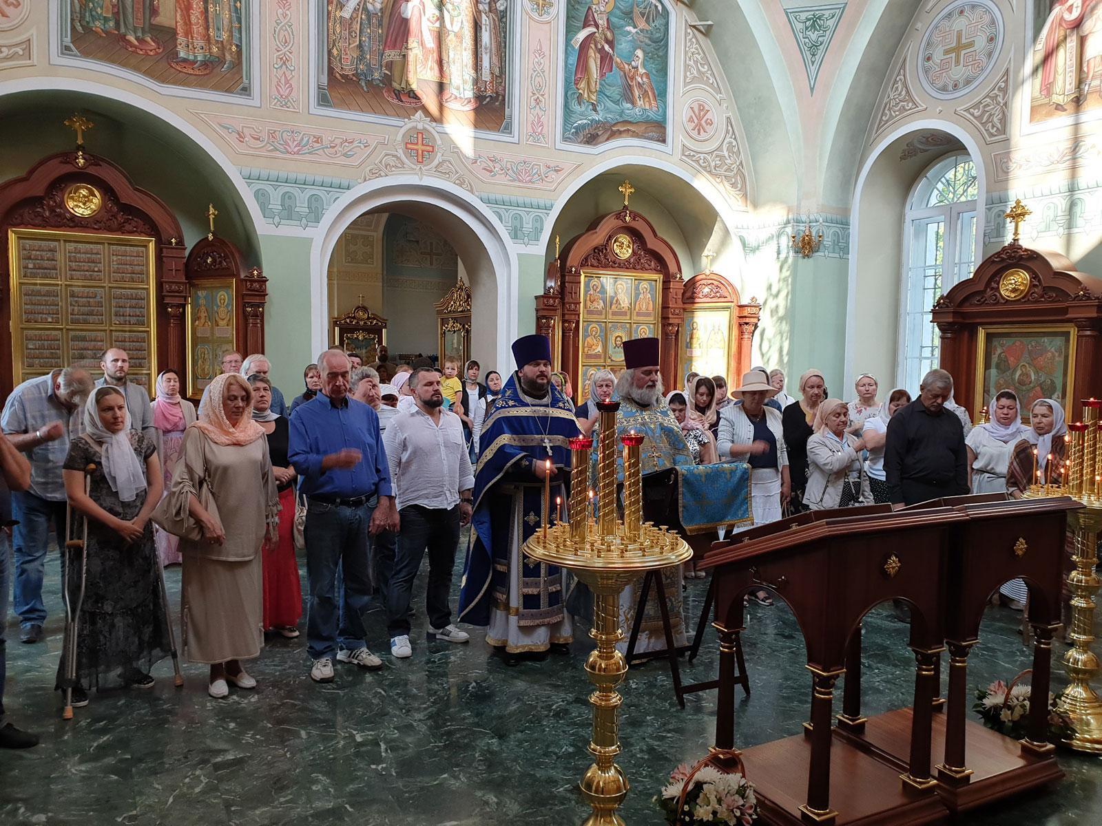 Молебное пение о творении Божьем в Мансурово (Истринское благочиние)